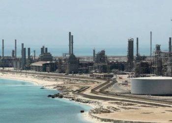 ả rập xê út cắt giảm 1 triệu thùng dầu/ ngày giúp giá dầu thô hôm nay 6/1/2021 bật tăng
